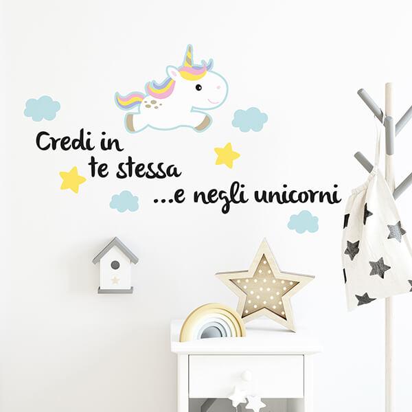 scritta adesiva camerette - unicorni
