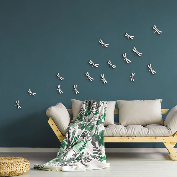 spring decor - libellule bianche