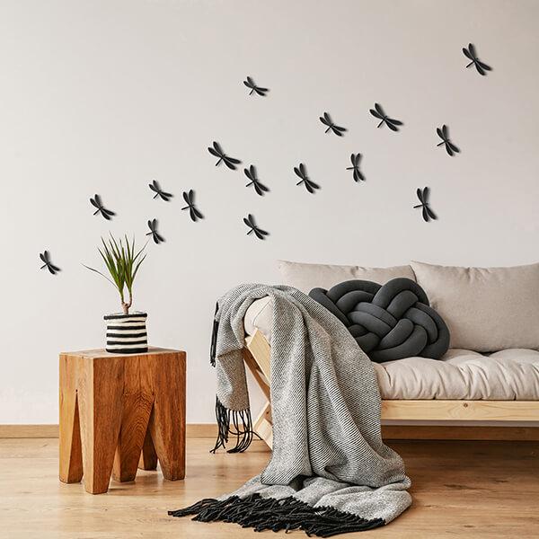 spring decor - libellule nere