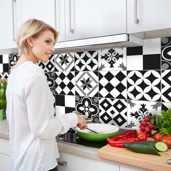 paraschizzi XL - black and white tiles